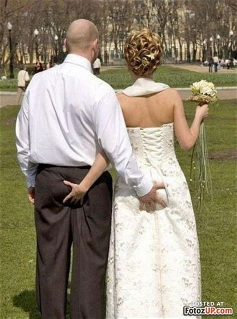 16 Funny Wedding Pictures