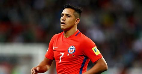 Alexis Sanchez  very happy  as Arsenal contract stand off ...