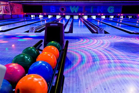 Bowling Wallpapers Images Photos Pictures Backgrounds