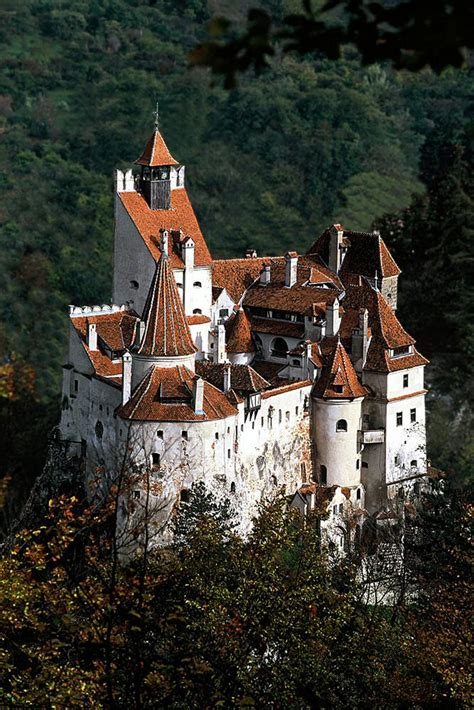 Dracula s Bran Castle in Transylvania on Sale   eXtravaganzi