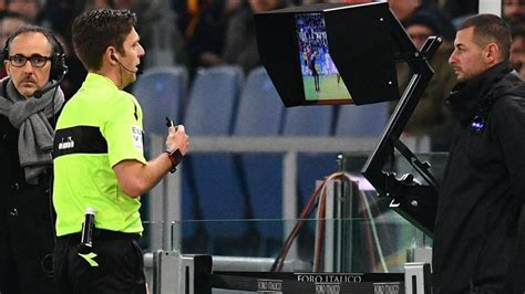 FIFA approves video assistant referees for 2018 World Cup ...