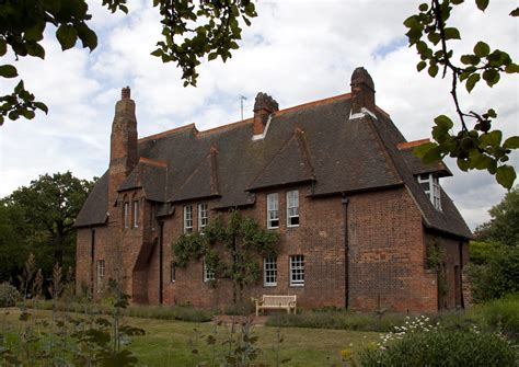 File:Red House home of William Morris.jpg   Wikipedia
