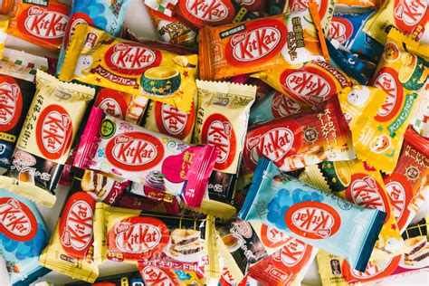 Halloween CRAY !!! Snack Pack Contest & Giveaway: KitKat ...