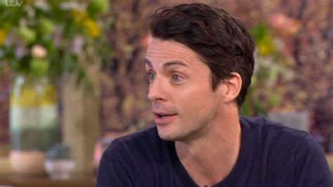 Matthew Goode  ruins  his chance of playing 007 as he says ...