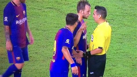 Rakitic: The referee insulted me three times | MARCA in ...