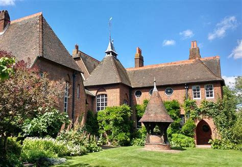 The Red House   William Morris  Experimental Home – Renn ...